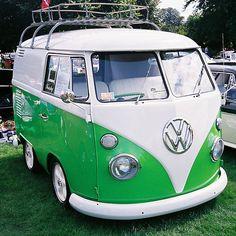 combi. Love those older VWs