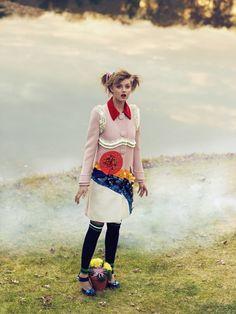 lm6 CR Fashion Book #4   Lindsey Wixson e Magda Laguinge por Sebastian Faena [Editorial]