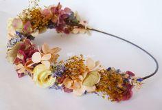 Coronas de flores y tocados de Hip&love - Coronas de flores y tocados   Foto 10