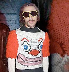 Wil Wheaton is an oh-so-attractive Bozo sweater. Ugly Sweater Contest, Ugly Sweater Party, Ugly Christmas Sweater, Xmas Sweaters, Darwin Awards, Mode Bizarre, Wil Wheaton, Carnival, Costumes