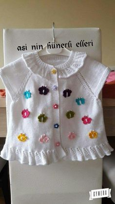 Baby Cardigan Knitting Pattern, Baby Knitting Patterns, Baby Vest, Indian Outfits, Kids And Parenting, Diy Clothes, Baby Items, Knit Crochet, Kids Outfits