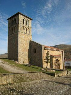 Colegiata de San Pedro de Cervatos © Rutas por Cantabria y Picos de Europa