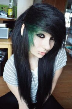 Alyssa) I'm dating Chad. Goth Hair, Emo Hair, Grunge Hair, Cute Scene Girls, Cute Emo Girls, Scene Kids, Piercing Tattoo, Piercings, My Hairstyle