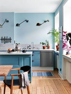 Latest kitchen trends - some inspiring kitchen design ideas in pastel blue color, which looks soft, appealing and very original. Interior Design Examples, Interior Desing, Interior Inspiration, Daily Inspiration, Design Inspiration, Kitchen Wall Colors, Cuisines Design, Scandinavian Home, Küchen Design