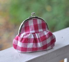 gingham coin purse from etsy Tote Purse, Tote Handbags, Purses And Handbags, Coin Purses, Red Gingham, Gingham Check, Frame Purse, Vintage Purses, Leather Purses