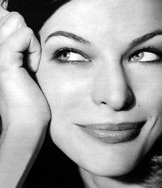 Milla Jovovich: Milica Jovović, Serbian Cyrillic (born December 17, 1975)
