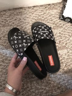 Supreme leather slides for Sale in Hickory Creek, TX - OfferUp I Love My Shoes, Dream Shoes, Pretty Shoes, Me Too Shoes, Lv Shoes, Tennis Shoes Outfit, Kicks Shoes, Fashion Sandals, Sneakers Fashion
