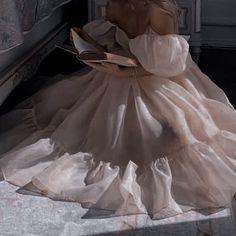 Flower Girl Dresses, Prom Dresses, Formal Dresses, Wedding Dresses, Mini Dresses, Aesthetic Fashion, Aesthetic Outfit, Book Aesthetic, Aesthetic Images