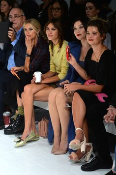Alexa Chung Photos - Alexa Chung is seen at the Ashley Williams show during London Fashion Week Spring Summer 2015 on September 2014 in London, England. Laura Bailey, Ashley Williams, Alexa Chung, Ss 15, Spring Summer 2015, Ombre Hair, Pretty Face, Sexy Legs, Front Row