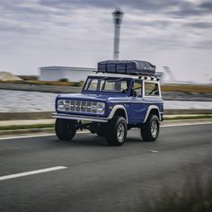 Early Ford Bronco out for a cruise!  #earlyfordbronco #classicfordbronco #classicbronco #earlybronco #bronco #bfgoodrich #ppgrefinish #classic #adventure #vintagecar #vintage #4x4 #offroad