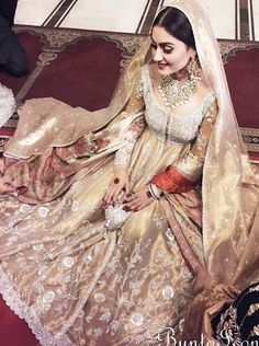 Achieve That Successdul Wedding With These Tips Pakistani Couture, Pakistani Bridal Wear, Pakistani Wedding Dresses, Pakistani Outfits, Indian Dresses, Bridal Dresses, Indian Couture, Indian Outfits, Types Of Dresses