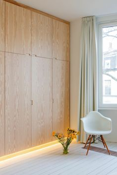 In the picture: from a tiny, tired townhouse to an airy family home with lots of space - Dream Bedroom, Home Bedroom, Master Bedroom, Master Closet, Door Design, House Design, Interior Architecture, Interior Design, Built In Wardrobe