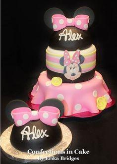 Minnie Mouse Birthday and Smash Cake Owl Smash Cakes, Cake Smash, 1st Birthdays, 2nd Birthday Parties, Minnie Mouse 1st Birthday, Mickey Party, Party Cakes, Disney Mickey, Desserts