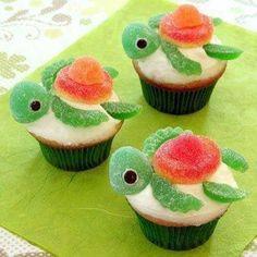 Looks both cute & yummy - great idea for a summer/beach theme