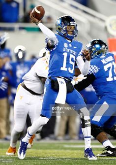 c5317f783d6 News Photo   Stephen Johnson of the Kentucky Wildcats throws a...  University Of