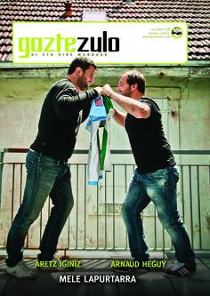 Gaztezuloren 131. alean Aretz Iginiz eta Arnaud Heguy errugbi jokalariak izan ziren azaleko protagonistak.