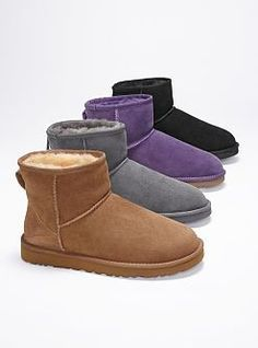 Love me some uggs. Getting ready for the fall. Another pair added to my uggs collection. Ugg Boots Cheap, Uggs For Cheap, Look Fashion, Fashion Shoes, Fashion Accessories, Cheap Fashion, Moncler Jacket Mens, Short Uggs, Ugg Bailey Button