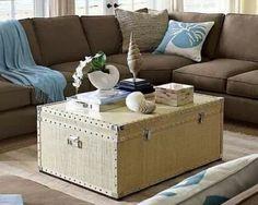 ¿Te gusta la decoración vintage? ¿Qué mejor que decorar con baules y maletas? - Más ideas en el siguiente artículo: www.estiloydeco.com/toque-vintage-decorar-con-baules-y-maletas/