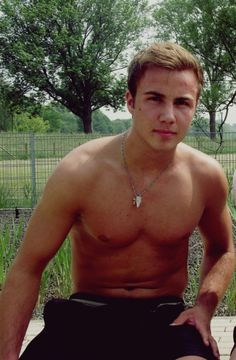 In honor of the World Cup.Mario Götze of Germany! German Football Players, Soccer Players, Watch Football, Soccer Boys, David Beckham, Super Mario, Cute Guys, Pretty People, World Cup
