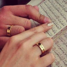 Learn Quran Academy is a platform where to Read Online Tafseer with Tajweed in USA. Best Online tutor are available for your kids to teach Quran on skype. Wedding Couple Poses Photography, Wedding Poses, Wedding Photoshoot, Wedding Couples, Arab Wedding, Wedding Hijab, Wedding Dresses, Wedding Bride, Photography Poses
