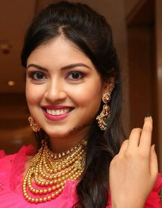 Indian Model Yashu Mashetty Beautiful Earrings Jewelry Smiling Face Close Up TOLLYWOOD STARS MIRA RAJPUT PHOTO GALLERY  | CDN.DNAINDIA.COM  #EDUCRATSWEB 2020-09-08 cdn.dnaindia.com https://cdn.dnaindia.com/sites/default/files/styles/full/public/2020/09/07/923581-mirarajput-birthday-makeuplook1.jpg