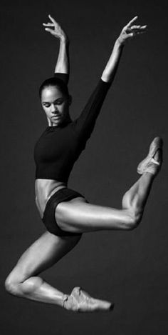 Best Fitness Photography Poses Misty Copeland Ideas - Danse -You can find Misty copeland and more on our website. Photography Winter, Dance Photography Poses, Dance Poses, Fitness Photography, Body Photography, Children Photography, Misty Copeland, Dance Tutorial, Dance Outfit