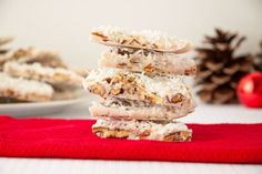 coconut almond bars -This bark makes for a great filling evening snack that will satisfy the sweetest tooth you got… naturally.