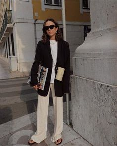 Stolen Inspiration: Fashion, Beauty and Lifestyle from New Zealand - Corporate Casual Style Inspo Fashion Outfit Ideas Oversized Blazer Flare Office Outfits Work Outfit Ideas Trousers How To Wear Easy Outfit Ideas Mode Outfits, Office Outfits, Fashion Outfits, Fashion Trends, Blazer Fashion, Office Attire, Fashion Clothes, Black And White Outfit, Beige Outfit