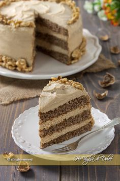 Nuts cake with mascarpone cream and coffee recipe Easy Cake Recipes, Sweet Recipes, German Torte Recipe, Strawberry Torte Recipe, Cake Cookies, Cupcake Cakes, Sugar Cake, Italian Desserts, Almond Cakes