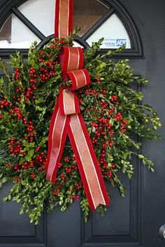 Boxwood Wreath {Tutorial}
