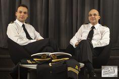 Capitanes de yate Jaime y Ruben Sanchez con nuestros uniformes a medida en lana con cashmere de alta calidad.