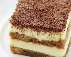 Here at Skinny Mom®, we like to think of our Skinny Tiramisu recipe as heaven in your mouth. Angel food cake and chocolate pudding make this a unique and delicious take on traditional tiramisu and without the calories and fat. Low Calorie Desserts, Köstliche Desserts, Angel Cake, Healthy Desserts, Delicious Desserts, Skinny Mom Recipes, Yummy Treats, Sweet Treats, Cake Recipes