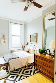 kleines schlafzimmer einrichten tipps und tricks großer spiegel