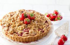 Rhubarb and Strawberry Crumb Pie