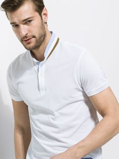 The Spring/Summer 2019 men's polo shirts collection at Massimo Dutti. Discover regular or slim fit polo shirts knitted, striped or plain. Polo Shirt Style, Polo Shirt Outfits, Polo Shirt Design, Polo Design, Polo Rugby Shirt, Men Design, Polo T Shirts, Camisa Polo, Mens Fashion Blazer