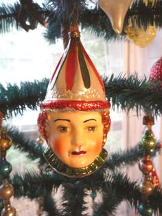 Love this vintage Christmas ornament!