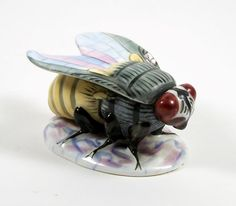 Vintage Porcelain Bee Trinket Box Figural Insect Form Hand Painted | Collectibles, Vanity, Perfume & Shaving, Trinket Boxes | eBay!