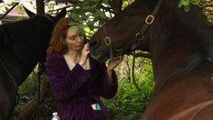 """xatty on Instagram: """"A beautiful photo of beautiful Eleanor ❤🐎🌳 #Poldark #Demelza #EleanorTomlinson @eleanortomlinson @official_poldark @mammothscreen…"""" Eleanor Tomlinson, Aiden Turner, Tortured Soul, Demelza, Gorgeous Men, Beautiful, Poldark, Horses, Evie"""