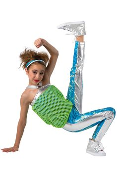 Our hip-hop costumes lend confidence to dancers. Dance Hip Hop, Hip Hop Dance Outfits, Dance 4, Dance Wear, Group Dance, Dance Class, Dance Picture Poses, Dance Poses, Dance Pictures