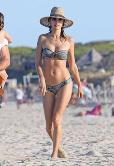 Celebrity beach cruising 2016:       Alessandra Ambrosio worked the beach like it was a runway while in Ibiza, Spain, on July 1. - GTRES/Fame Flynet