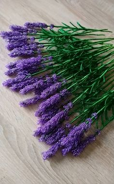 Lavender, French beaded lavender, single stem, artificial flowers, home decor - Flores Seed Bead Flowers, French Beaded Flowers, Wire Flowers, Seed Beads, Beaded Flowers Patterns, Crochet Flowers, Beading Patterns, Wire Trees, Beaded Crafts