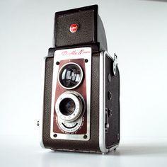 A 1940s-era gem, this Kodak Duaflex box camera is made to use 620 film.