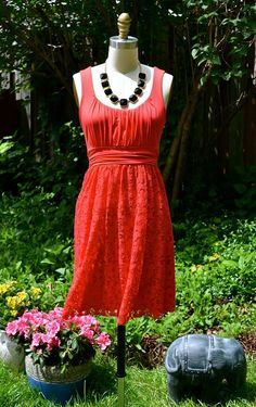 Anyone in need of the perfect Canada Day outfit? Look no further than this red eyelet summer dress! Learn To Sew, How To Make, Canada Day, Outfit Of The Day, Jewerly, Summer Dresses, My Style, Pretty, Pattern