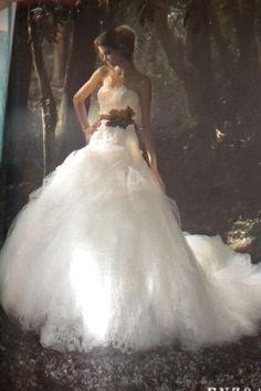 very romantic wedding dress