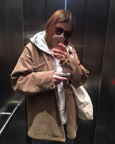 45 Basic Outfit Ideas Aesthetic You Should Already Own outfit ideas aesthetic, Kläder Mode Outfits, Casual Outfits, Fashion Outfits, Fall Winter Outfits, Autumn Winter Fashion, Mode Grunge, Winter Fits, Mode Inspiration, Aesthetic Clothes