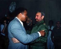 Mohamed Ali (Cassius Clay) con Fidel Castro en La Habana, 2001