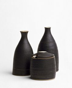 Lucy Rie - Cruet set, Stoneware, white and black glazes, 1950-55