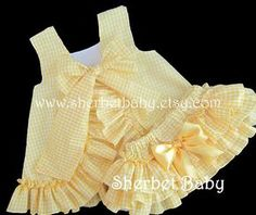 Ging ham Check volantes delantal y Sassy pantalones por SherbetBabyGingham Check Ruffled Pinafore and Sassy Pants Diaper Cover Bloomers Sundress Sunsuit Lavender Green Yellow Pink Hot Pink Blue RedGirls Red Gingham Dress Baby Girl Dress Toddler by To Toddler Dress, Toddler Outfits, Kids Outfits, Little Dresses, Little Girl Dresses, Cute Baby Clothes, Doll Clothes, Baby Girl Fashion, Kids Fashion