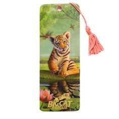 Ultra cool bookmark features a hologram image a tiger cub sitting a giant lily pad on the front and 6in/15 cm ruler on the back. Image appears to jump of the card with three dimensional splendor. Gold