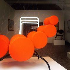 Au sein de la #GaleriedEnFacE le design de #PhilippeNacson et l'installation d'#ArielClaudet dialoguent avec des photographies de #Brasilia de #VincentFournier #paris #galerie #parcourssaintgermain #pdw15 #TEAM14INS #TEAM14SPIN